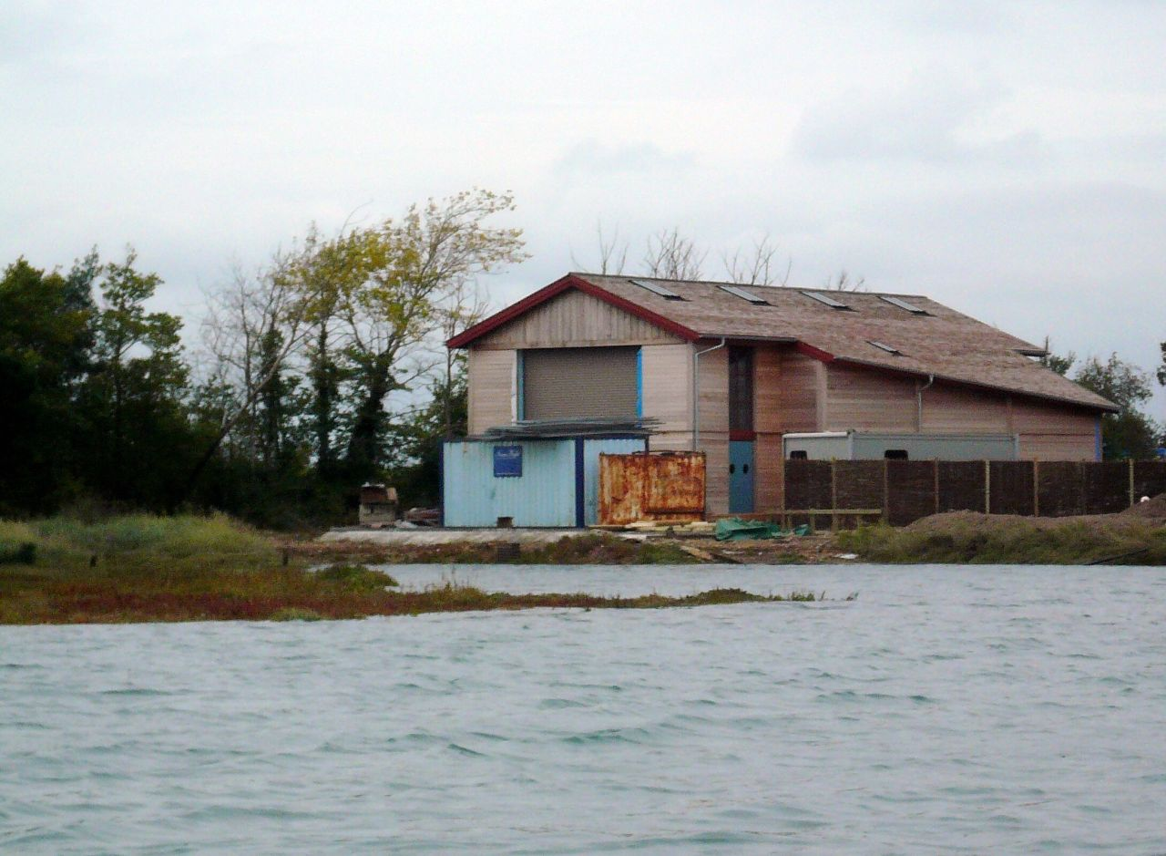 Guide to get zulu fishing boat plans dab for Boat barn plans