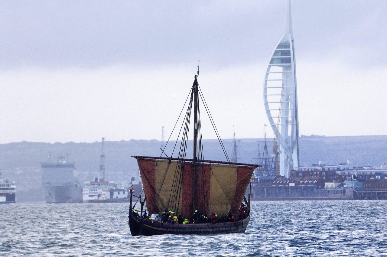 The hardest voyage – rowing and sailing a Viking ship from Wicklow to Portsmouth | intheboatshed.net