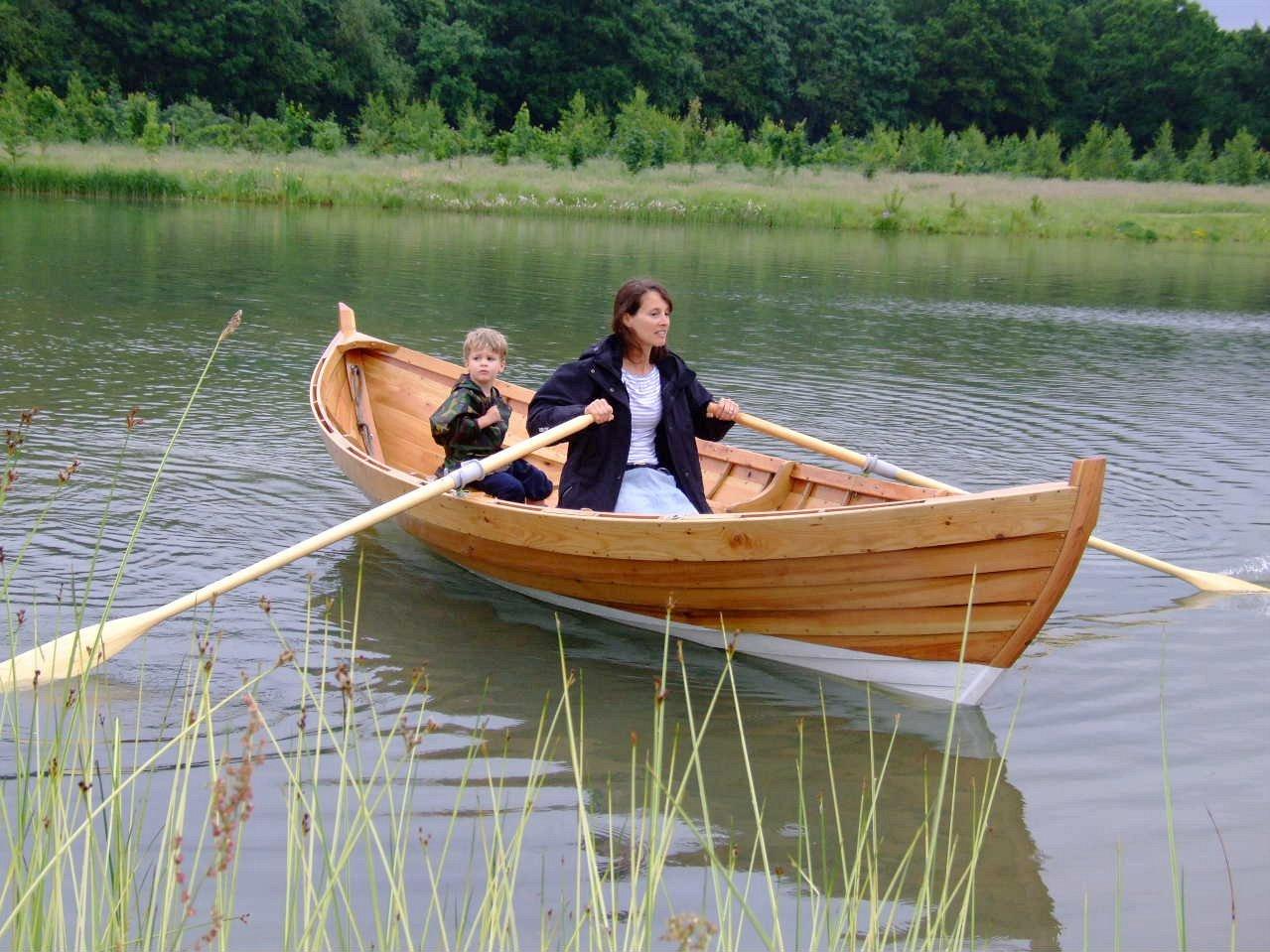 Popular Clinker built rowing boat plans :Sailing