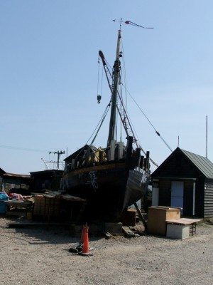 Joe Farrow asks about a fishing boat restoration at Southwold | intheboatshed.net