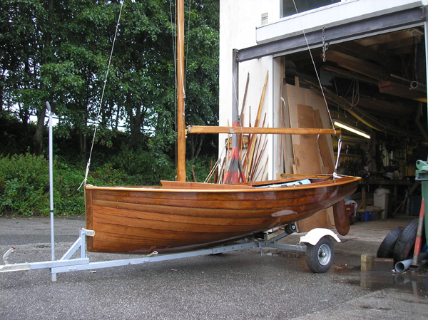 Fowey boat builder Marcus Lewis restores a classic Uffa King National 12 racing dinghy ...