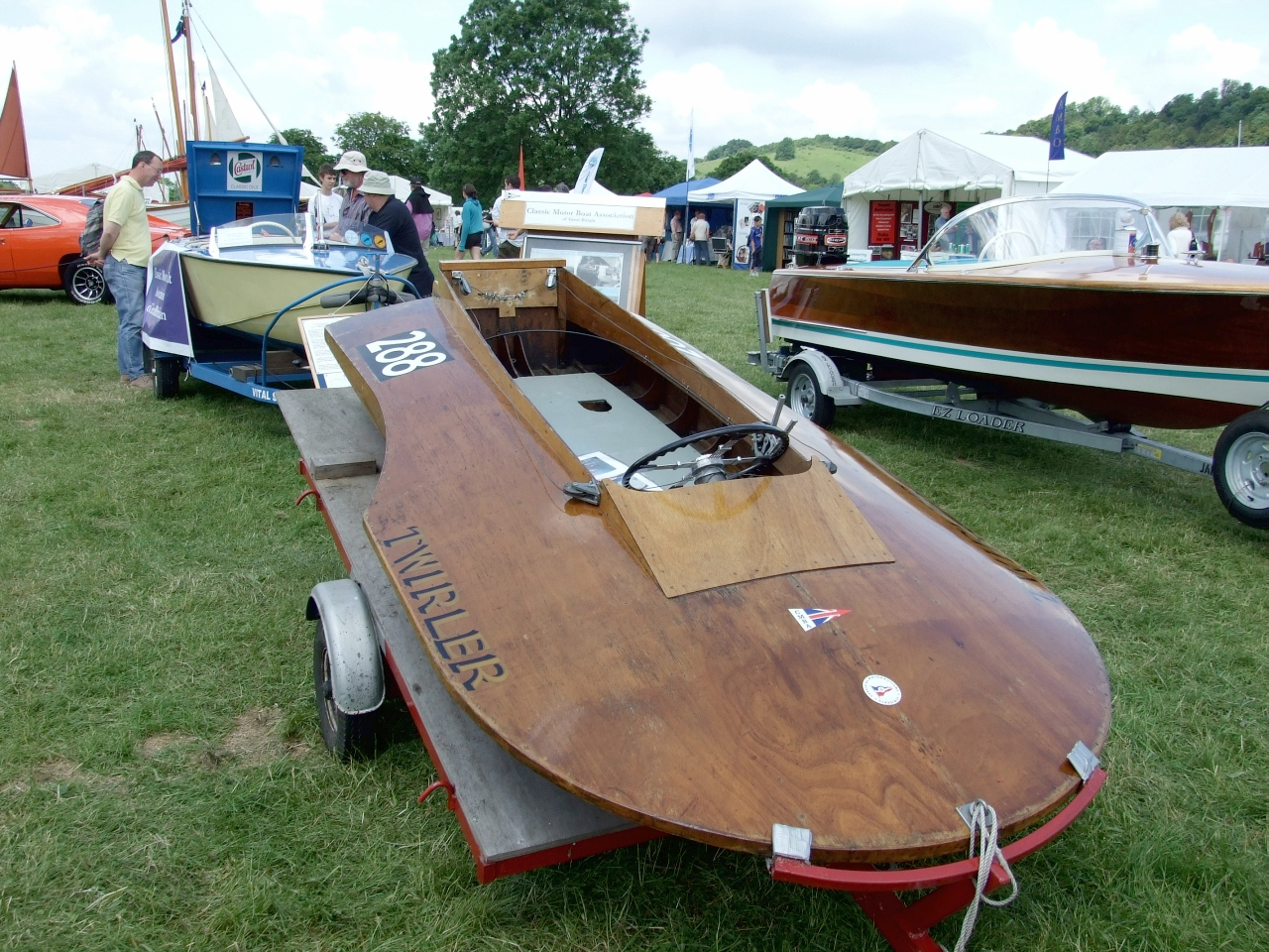 A hydroplane at the Beale Park Boat Show – intheboatshed.net